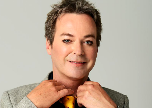 JULIAN CLARY – National Trinket