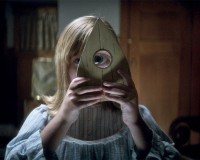 OUIJA: ORIGIN OF EVIL – Setting Up The Board