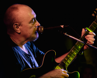 ED KUEPPER @ Mojos gets 8/10