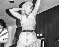 AMYL AND THE SNIFFERS @ Rock Rover gets 9/10