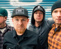 MILLENCOLIN Giving us the (Gold)finger