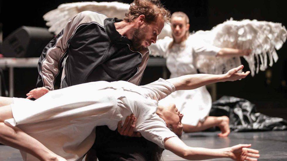 SWAN LAKE @ Heath Ledger Theatre gets 10/10