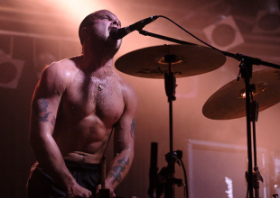 SLAVES @ Amplifier gets 8.5/10