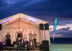 SCARBS BEACH PARTY @ Scarborough Foreshore gets 8/10