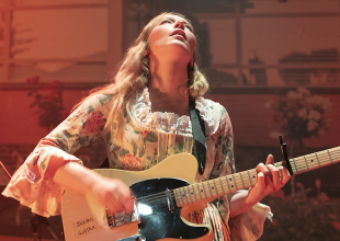 JULIA JACKLIN @ Astor Theatre gets 8.5/10